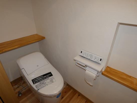 狭いトイレもニッチで広く使えます