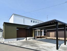 ホームシアターのある高性能R+ハウス
