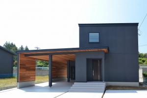 オープンインナーガレージの高性能R+ハウス