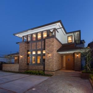 石川初!世界三大近代建築の巨匠フランク・ロイド・ライトの住思想を取り込んだ贅沢な住まい。