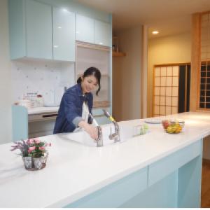 自然素材にこだわった安心で快適な住まいを提案する『サワダ』
