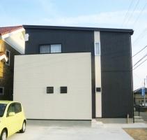 赤と黒の家
