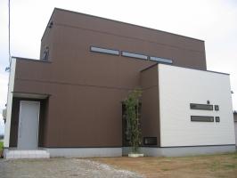 シンプルモダンな家