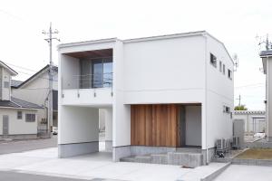 YH House