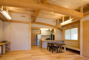【平屋増築】大工の腕がふんだんに生かされた、暖かい木の家