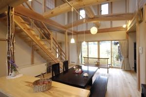 松・杉・ヒバを使った暖かい天然木の家