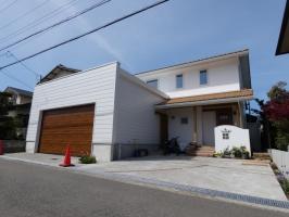 W断熱の暖かい白くて可愛い家