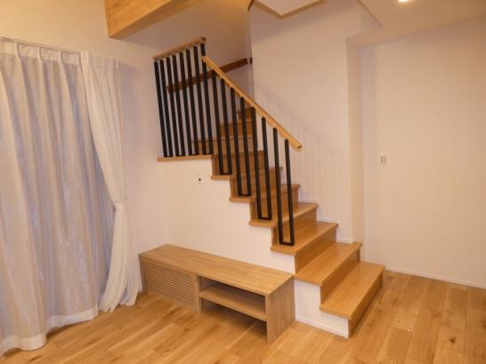 開放感たっぷりのリビング階段です