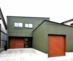 インナーガレージ付高性能住宅