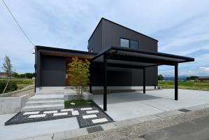 景色の良い高台に建つ高性能住宅