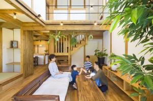 子供がのびのび育つ木の家/サイエンスホーム金沢西