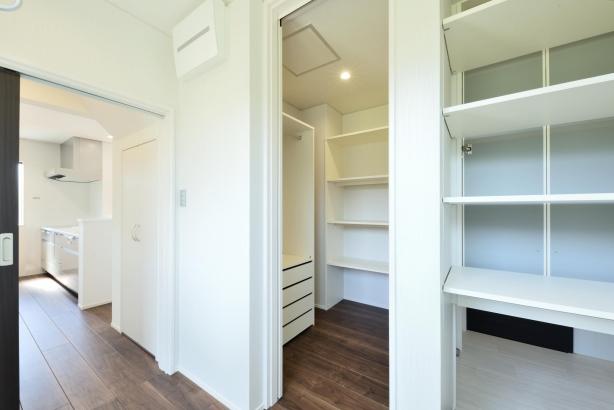 キッチン直結で、ファミリークロークや洗面脱衣室ともつながり家事がとてもしやすい