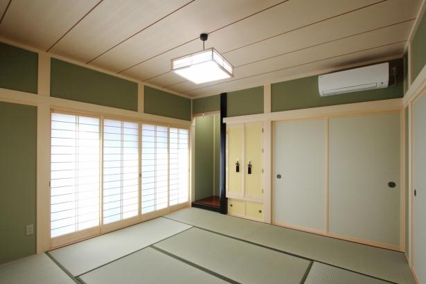 和室/祖母の寝室を兼ねているためシンプルにまとめた