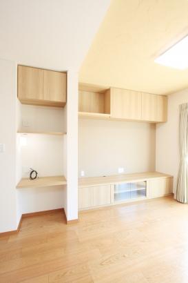親世帯LDK/ご希望を叶え、使い勝手の良い造作家具。