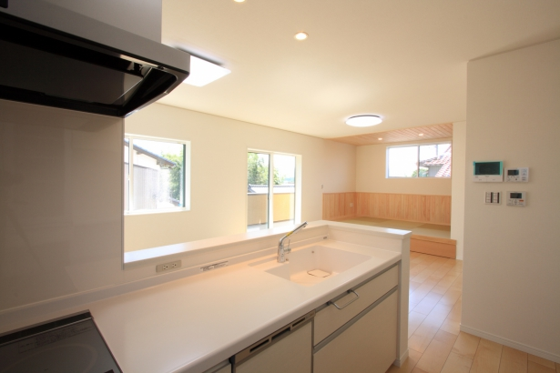 キッチン/トップとシンク 一体型で掃除が簡単。