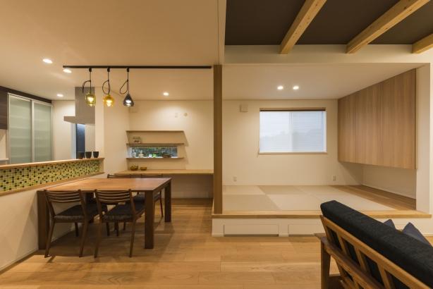 LDK/勉強コーナーや畳コーナーで、子育てのための空間を充実させる