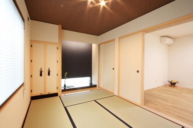 和室/玄関から直接出入りできる客間・仏間として だけではなく、襖を開放してLDKとの一体利用が可能。