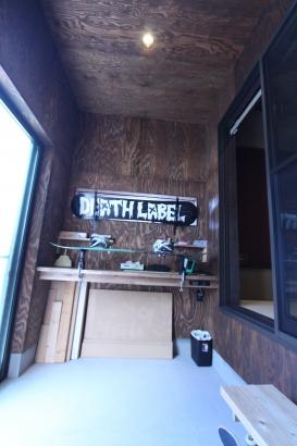 外部収納兼作業スペース。