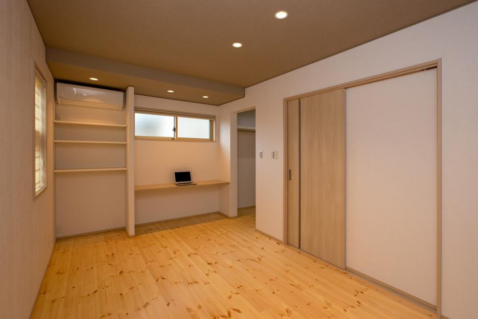 木目の良さが際立つ部屋!