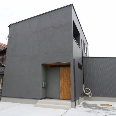 約22帖 の広々LDKのある家事楽の家/ サワダ