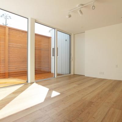 個性と機能性を追求した 廊下のない平屋住宅 / サワダ