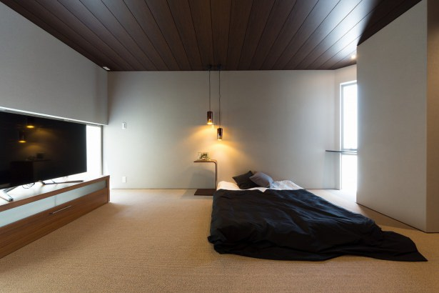 落ち着いた雰囲気の主寝室
