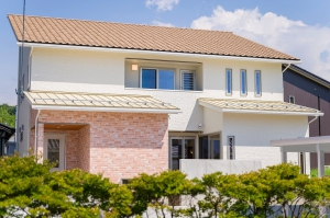 住空間と中庭が融合する家