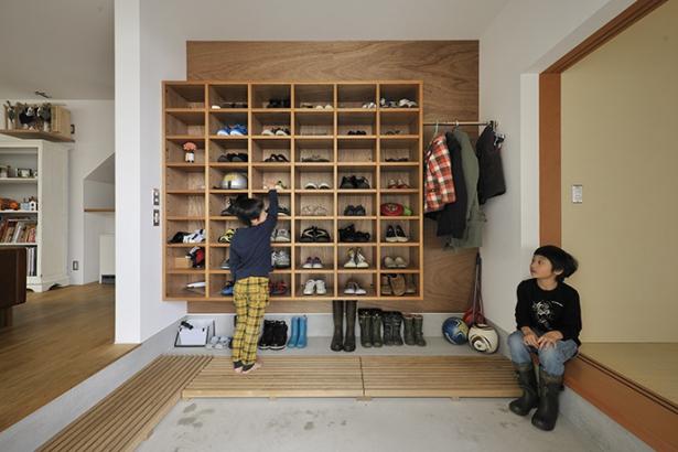 オープンな靴棚
