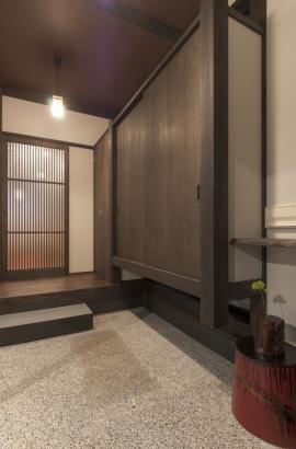 スペースを贅沢にとった玄関土間