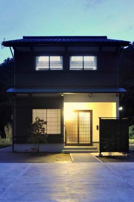日本の原風景に建つ古き良き住まい