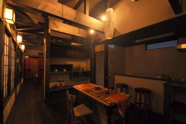 大正時代のレトロな雰囲気の食事室