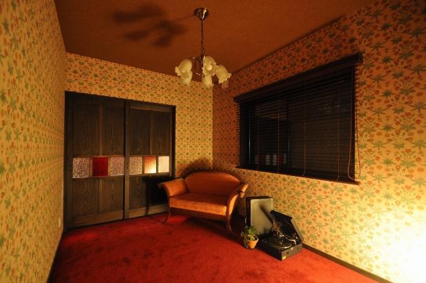 「大正ロマン」をコンセプトにした寝室。
