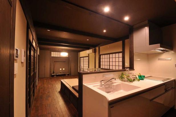 台所から居間を眺める。家事導線がスムーズなのが嬉しい。