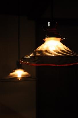 漆職人とガラス職人のコラボ照明。赤富士と白山。