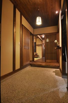 4帖の広さのある玄関