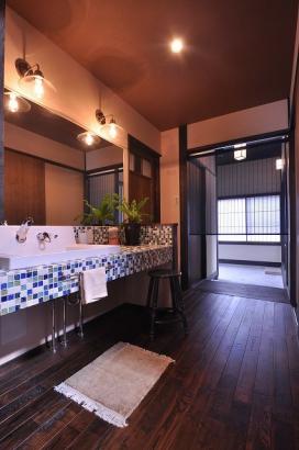 ホールに位置する洗面台