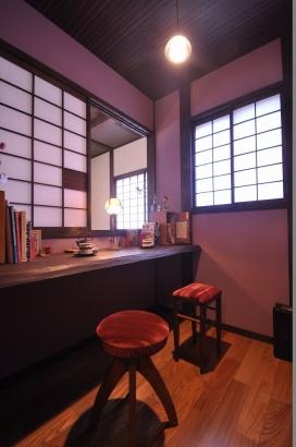 寝室に隣接した書斎