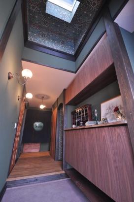 イギリスの古い洋館のような玄関