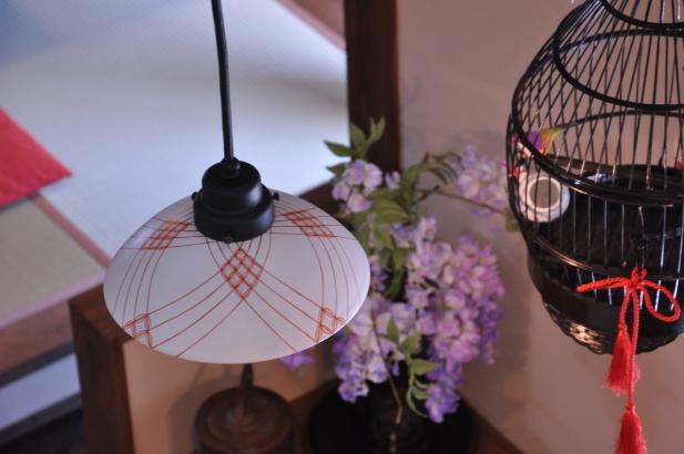 和模様が美しい陶器のオリジナルペンダント照明