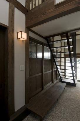 玄関を入ると正面に絶景の景色が広がります。