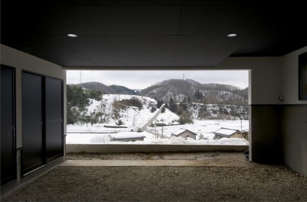 車庫から見渡せる絶壁からの絶景。