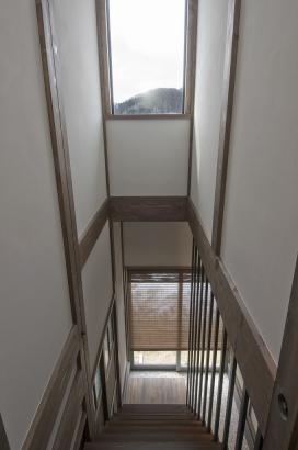 階段からの借景も額縁の絵のように眺められます。