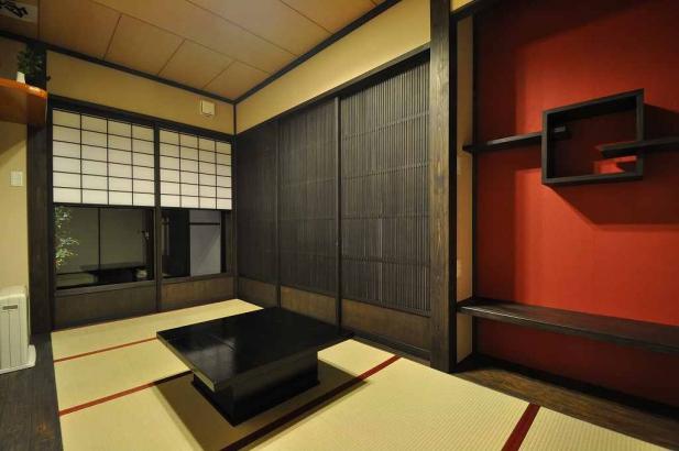 和室には飾り棚のある床の間