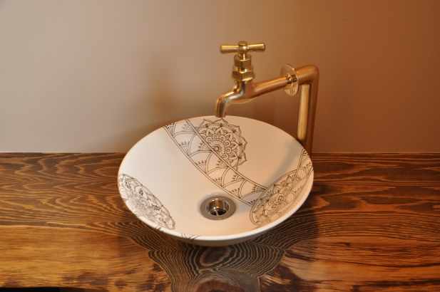 オリジナルデザインの陶器の洗面鉢