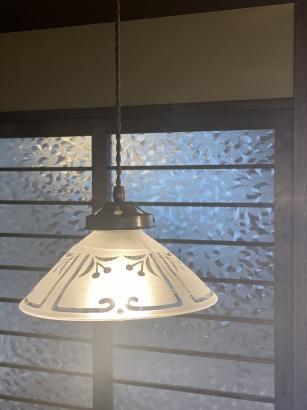 キッチンのタイルの模様をモチーフにした作家さんのオリジナル照明