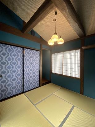 群青の高貴な雰囲気のある和室