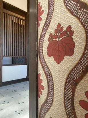 一二三石をあしらったかわいらしい雰囲気のある玄関土間