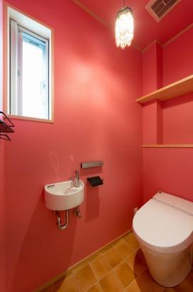 1階トイレもこだわりの空間