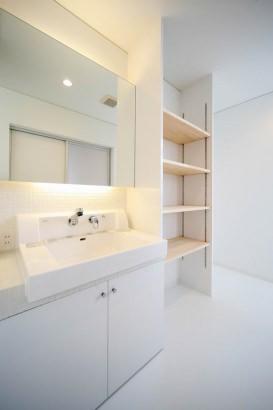 洗面・脱衣室もシンプルに