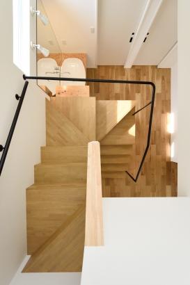 石川県金沢市 注文住宅 新築一戸建て 階段